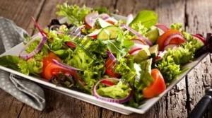 Salat von Bosch Küchenmaschine zubereiten lassen