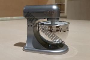 Eieruhr in Form einer Knetmaschine - Symbol einer Teigknetmaschine
