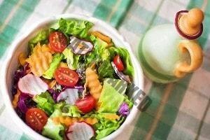 WMF Küchenmaschinen eignen sich zum Salat schnippeln