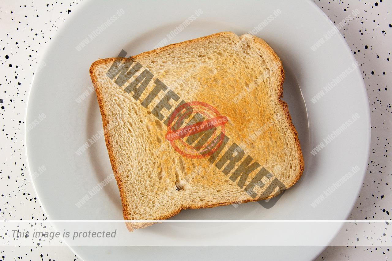 Toastbrot auf Teller