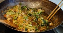 Der Wok hat bereits vor langer Zeit in unseren Küchen Einzug gehalten.